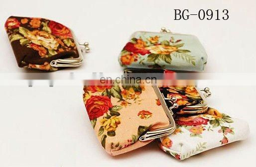 MOQ 500pcs small coin purse with flower pattern best for lady