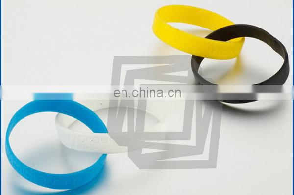Cheap Debossed Silicone Wristband Key Chain