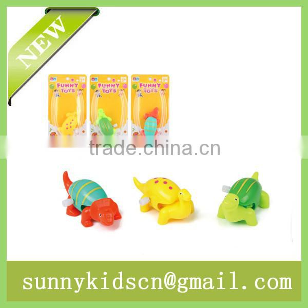 China new wind up toy wind up animal capsule toy