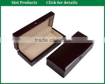 Deluxe glossy black wooden pen box