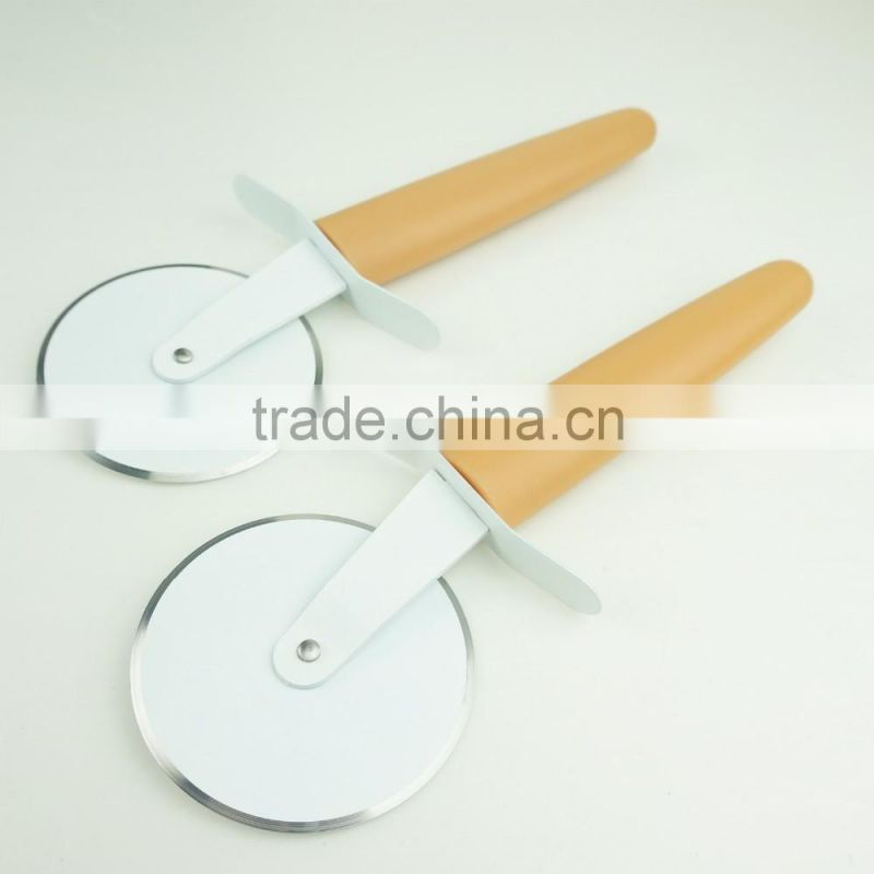 32061 Kitchen gadget kitchen tool round lace pizza cutter