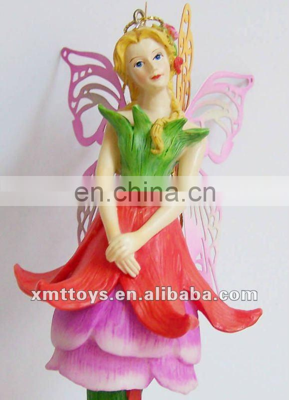 polyresin thinking holding baby figurine for home decor