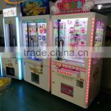 Ecuador hot sale golden key game machine, key master prize vending game machine wirh LED lights