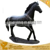 Black life size cast resin horse sculpture for outdoor decoration
