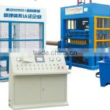 QT8-15B concrete block making machine in Algeria, hydraulic automatic paver interlock brick making machine