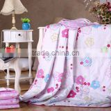China factory price natural down and feather silk quilted round bed comforters