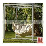 2016 best saling Latest Design round garden swing with retractable canopy wicker hanging bed