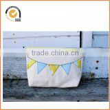 Natural Canvas Makeup Bag with Yellow and Blue Flag/Bunting Applique By Chiqun Dongguan CQ-H01080