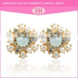 Excellent material promotion price fashion triangle stud light weight diamond pearl earring