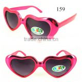 Wholesales Cheapest Simple Plastic Heart Shape Children Sunglasses 2015
