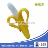 HOT sell factory ecofriendly softly baby banana bendable training toothbrush infant Babymatee