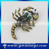China Manufacturer mixed wholesale lots broken china jewelry scorpion brooches for men B0051