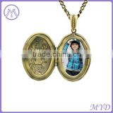 Vintage brass material oval shape picture frame pendant locket necklace