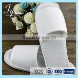 Non-Woven disposable hotel slipper with embroidery logo