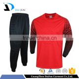 Daijun oem high quality breathable polyester men custom printed red long sleeve football jersey