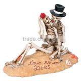 Beach Lovers - Collectible Figurine Statue Halloween Sculpture