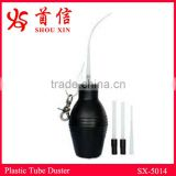 hand holding small insecticide&pesticide bulb rubber duster with long plastic tube for bedbugs SX-5014