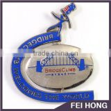 Low MOQ spinning bridge climb logo pin badge