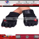 White Color training gloves for bodybuilding