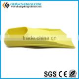 COMFORTABLE SILICONE SWIIMMING FINS WITH CLASSIC STYLE