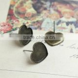 10mm 12mm Antique Bronze Cabochon Bezels Setting Heart Earring Tray Ear Stud Sawtooth Edge Blank Base For Jewelry Making
