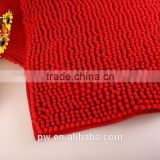Red color chenille floor mat Size:60cm X 40 Made of soft microfibers and soft on the feet