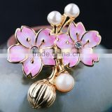 Alloy vintage pearl brooch for wedding invitations