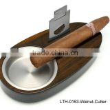 High glossy finish cigar ashtray with stainless steel cigar cutter