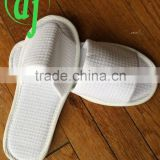 white disposable hotel slipper for bathroom wholesale /white 5 star hotel slippers