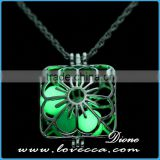 Plating platinum+Sky blue luminous Fahion Luminous Stone Necklace essential oil diffuser glow in the dark necklace