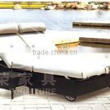 Good design Double seat PE rattan beach sun bed with tea table,Rattan/wicker outdoor furniture