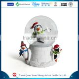Europe regional feature penguin christmas glass snow globe                                                                         Quality Choice