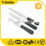 Flexible Resistant Blade Angled Cake Decorating Spatulas With Wooden Handle