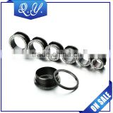 Fashion Jewelry Black Plated Threaded Stainless Steel Ear Tunnel Decorative Ear Plugs