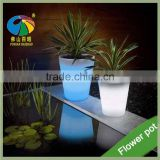 Different Colors Changing Glowing in the Dark Garden Flower Pots Outdoor Indoor Plastic Flower Planters LED Light Flower