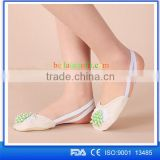 alibaba in russian best selling premium sandal shoe new ladies flats closed shoes flat dance shoes