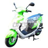 Cheap China-made Gas Motor Scooter Equipped with 4 Stoke 80cc Engine