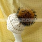 2016 Wholesale Winter Warm Luxurious Beanie Hat with Raccoon Fur Bobble and Diamond for Fashion Girls