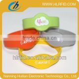 125Khz EM4200 chip rfid wristband tag,silicone/PVC rfid bracelet for children tracking