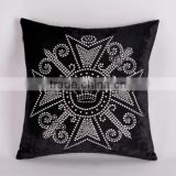 Custom High Quality Crystal Strass Rhinestone Motif Cross Black Seat Cushion Cover For Sofa