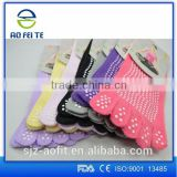 Anti-slip Yoga Popular Half Toe Exercise Socks Wholesale China