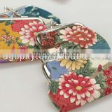 New !Wholesales Customized flower pattern fabric clutch clasp coin purse clasp wallet[China Manufacture]