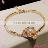 Fashion new gold bracelet 18K plated Jewelry Bangle new design flower Crystal Metal Bangle