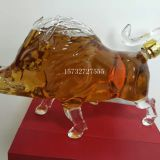 Wholesale unique carved glass pig glass transparent bottle craft wine bottle