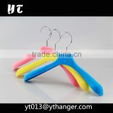 CY-632 Luxury flocking coat plastic hanger flocked baby clothes hangers baby velvet hanger