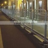 APHT removable crowd control barricade for sale/police road barricade/aluminum portable barricade fence with flat/cross feet