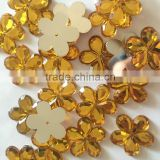 designer use well cut well polished super shine flower design plastic beads with hole for sewing clothing