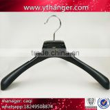 CY-669 High material custom logo plastic hanger black plastic hanger for men suits.                                                                                                         Supplier's Choice