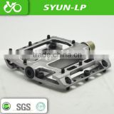 silver B032 bike pedal Sanyun hot sell CNC aluminum pedal platform bicycle parts replacebal pins bike pedals