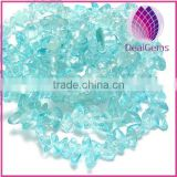 Glass chip beads, turquoise blue, small. 34-inch strand.